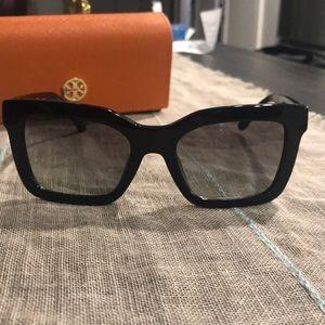{tory burch} NWOT sunglasses